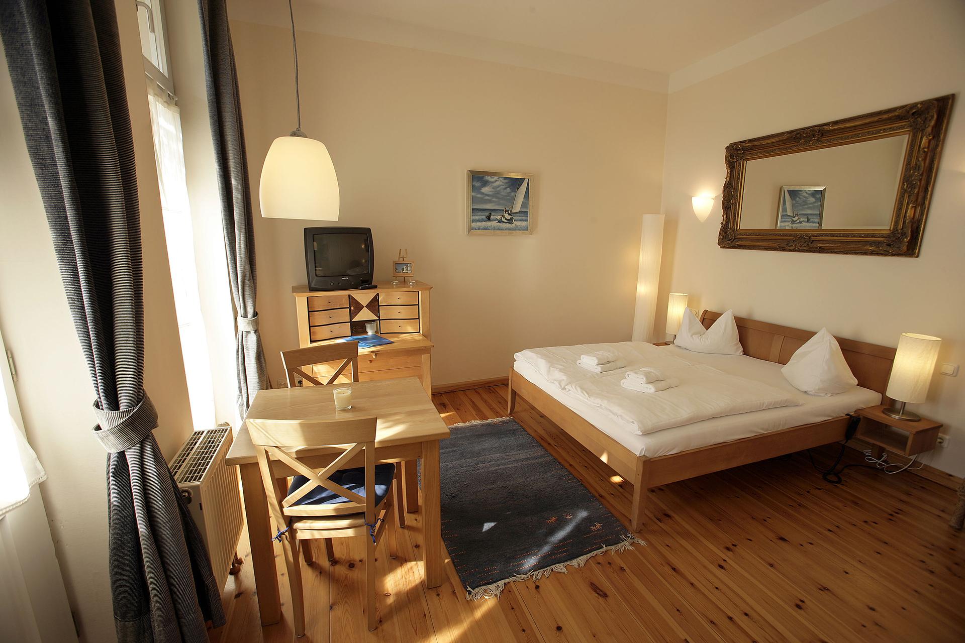 ferienwohnung no 11 villa glaeser ferienwohnungen bansin. Black Bedroom Furniture Sets. Home Design Ideas